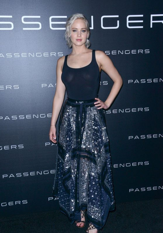 jennifer-lawrence-sony-presentation-at-cinemacon-in-vegas-4-12-16-1_thumbnail