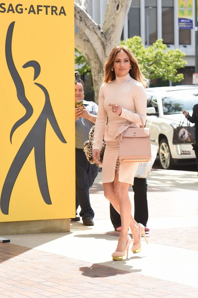 jennifer-lopez-heads-to-sag-for-q-a-regarding-her-role-in-shades-of-blue-los-angeles-april-2016-2