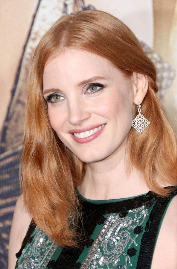 jessica-chastain-on-red-carpet-the-huntsman-winter-s-war-premiere-in-westwood-2