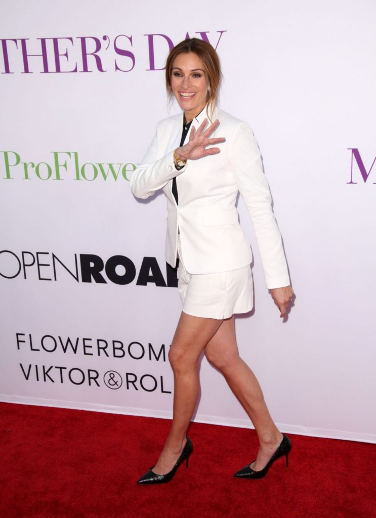 julia-roberts-mother-s-day-world-premiere-in-los-angeles-2