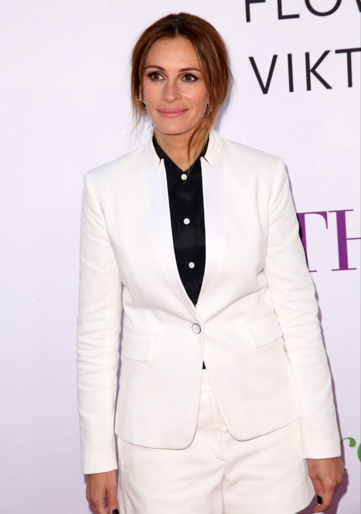 julia-roberts-mother-s-day-world-premiere-in-los-angeles-5