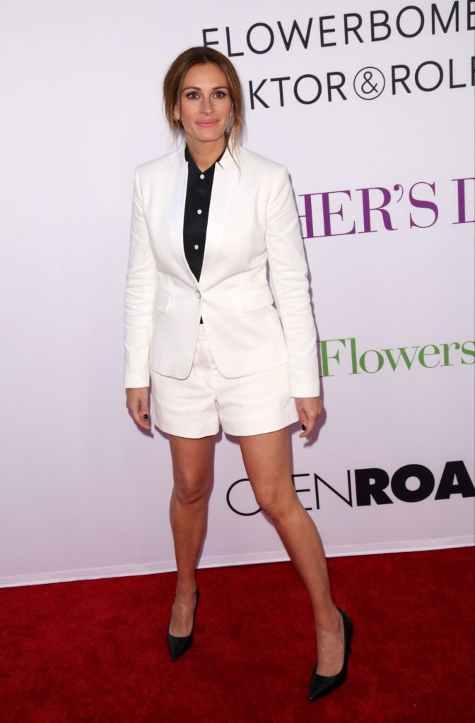 julia-roberts-mother-s-day-world-premiere-in-los-angeles-8