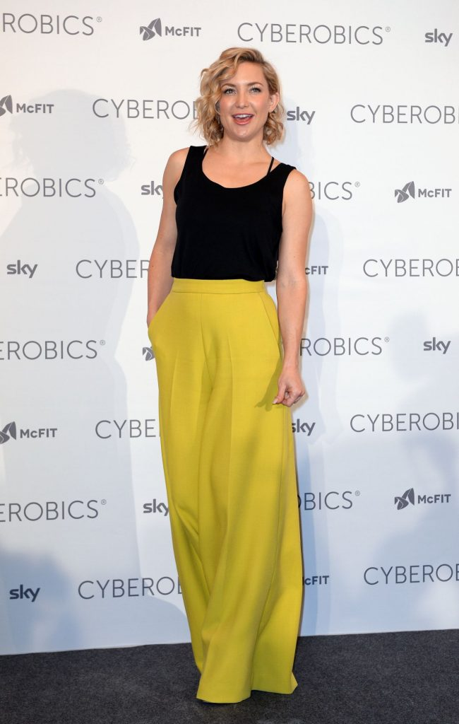 kate-hudson-world-of-cyberobics-presentation-in-berlin-germany-april-2016-3