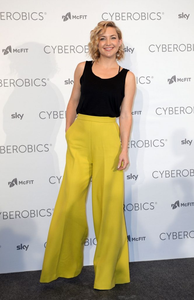 kate-hudson-world-of-cyberobics-presentation-in-berlin-germany-april-2016-7