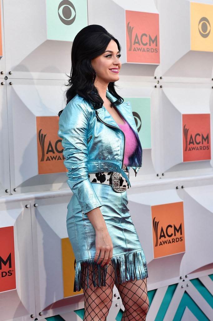 katy-perry-2016-acma-jeremy-scott-style