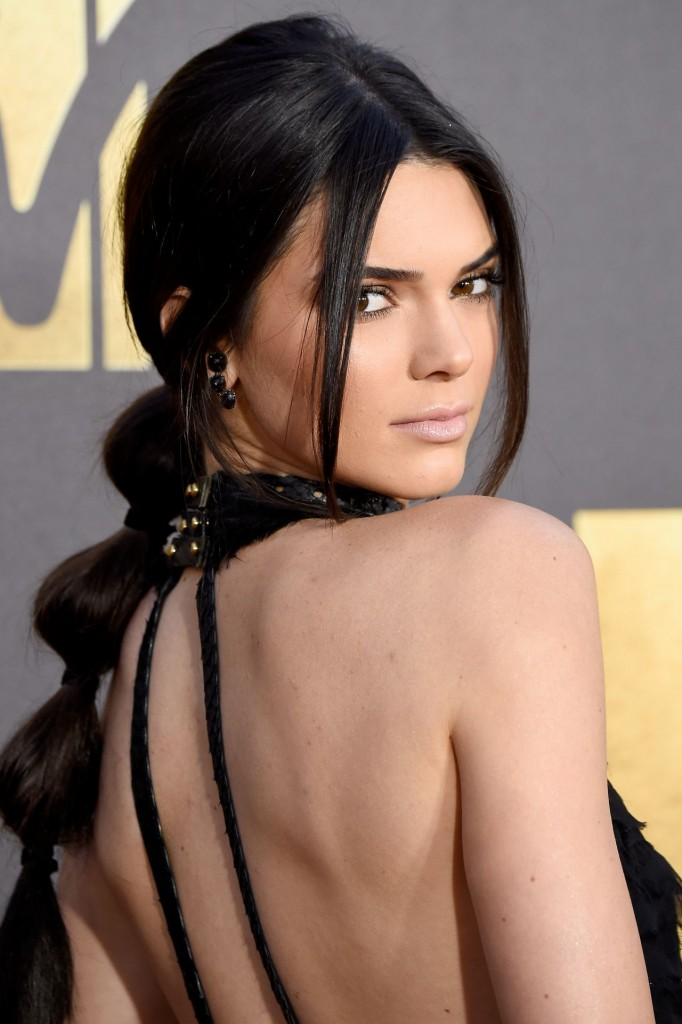 kendall-jenner-2016-mtv-movie-awards-in-burbank-ca-10