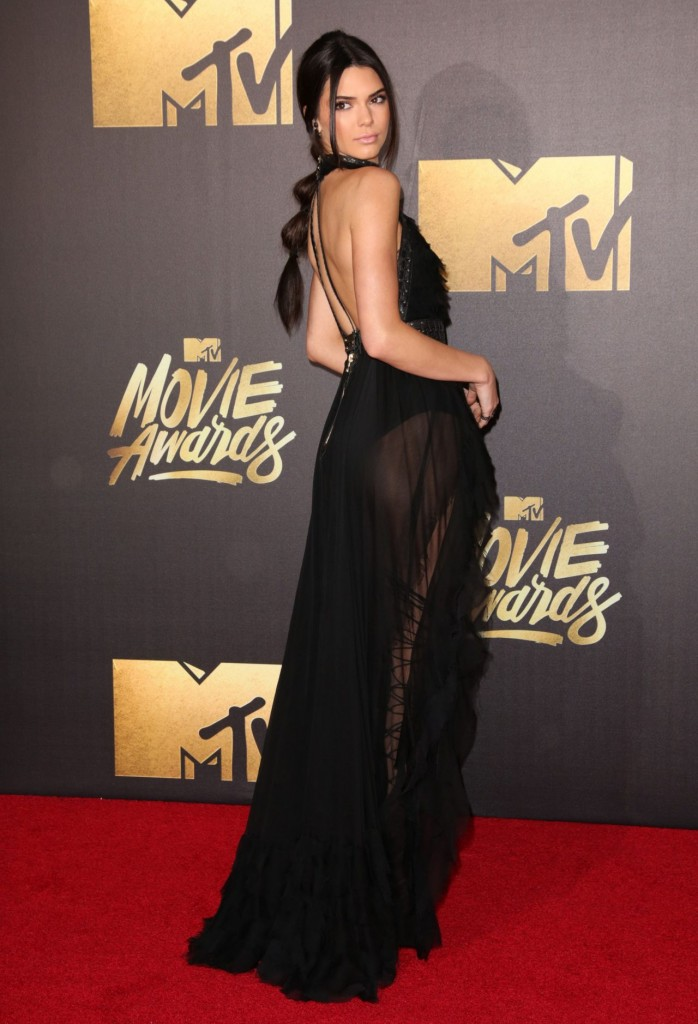 kendall-jenner-2016-mtv-movie-awards-in-burbank-ca-31