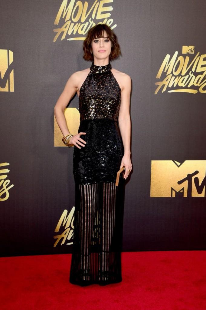lizzy-caplan-2016-mtv-movie-awards-in-burbank-ca-4