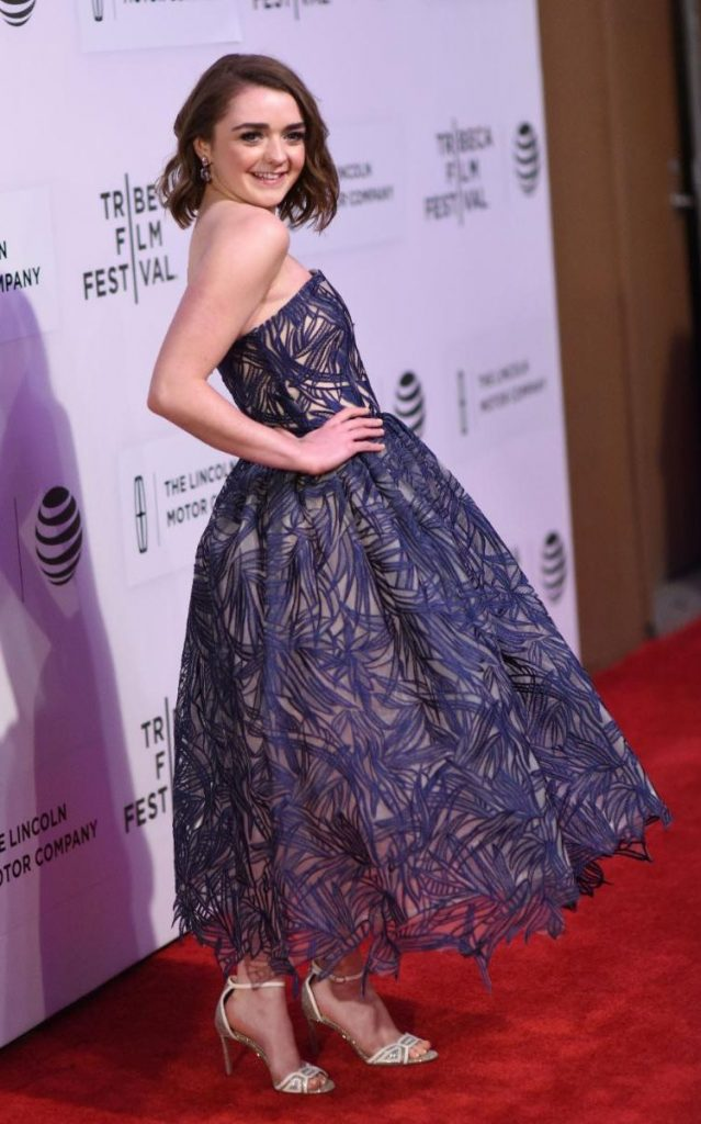 maisie-williams-in-zeynep-kartal-devil-and-the-deep-blue-sea-premiere-tribeca-film-festival