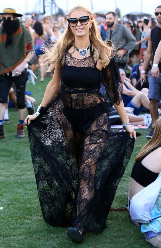 paris-hilton-the-coachella-valley-music-and-arts-festival-4-15-2016-1