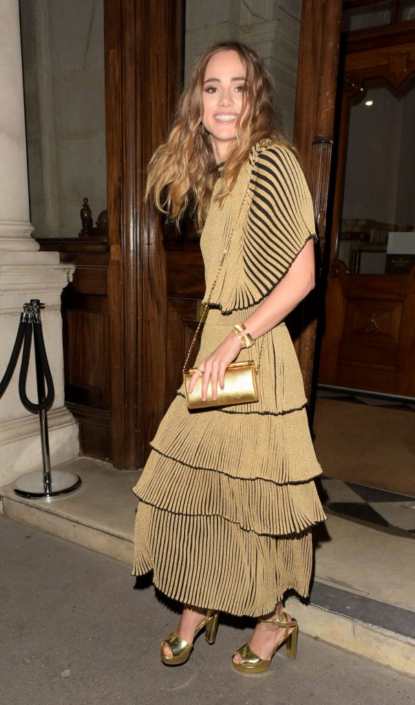 suki-waterhouse-magnum-double-launch-party-in-london-uk-4-20-2016-3