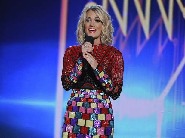 carrie-underwood-in-elie-madi-2016- american-country-countdown-awards