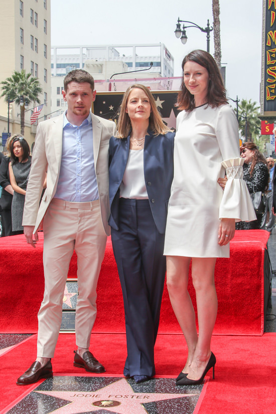 Caitriona-Balfe-Holywood-Walk-Fame-Ceremony-Jodie-Foster-Mother-of-Pearl-Fashion-Tom-Lorenzo-Site-6
