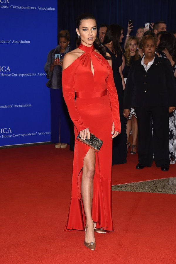AdrianaLima-white-house-correspondents-dinner-2016-redcarpet