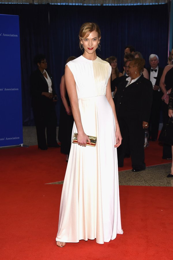 Karlie- Kloss-white-house-correspondents-dinner-2016-redcarpet