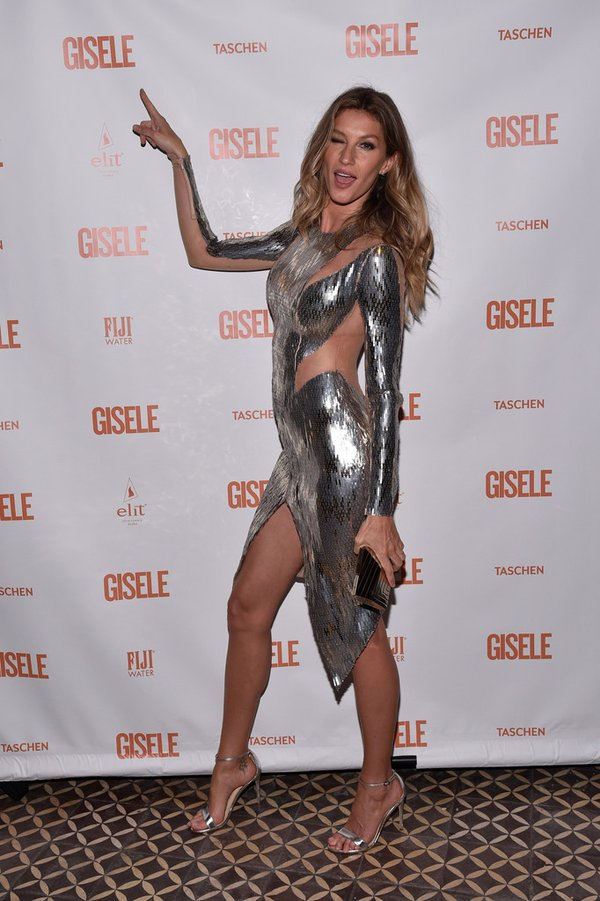 gisele-bundchen-in-julien-macdonald-spring-fling-book-launch