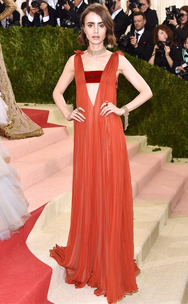 lily-collins-in-valentino-2016-met-gala
