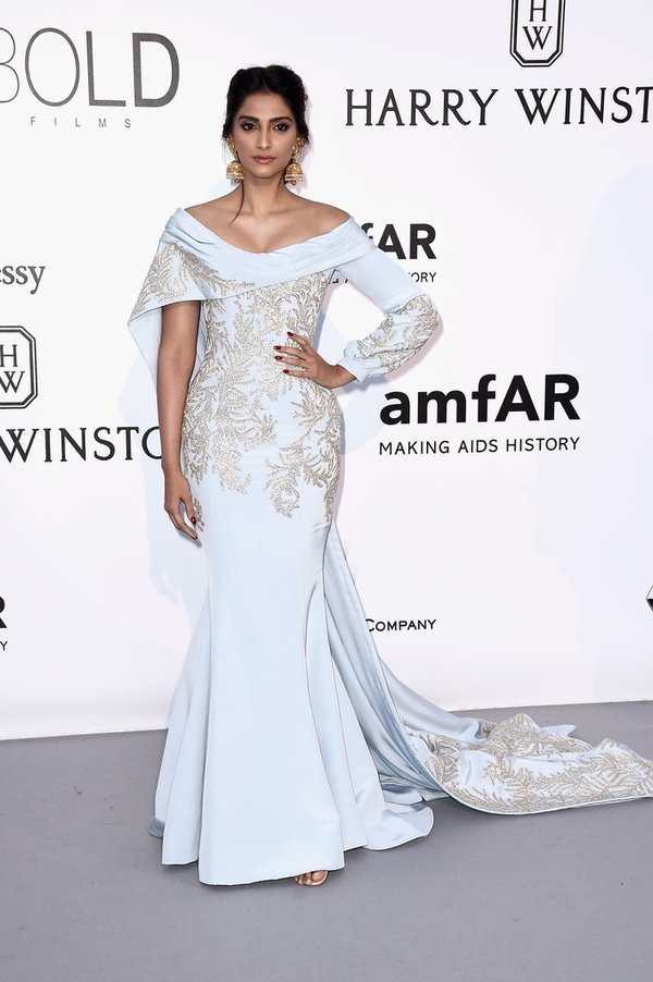 Sonam- Kapoor-at-amfars-23rd-cinema-against-aids-gala