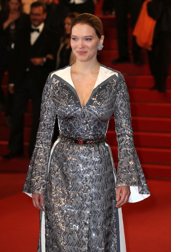 lea-seydoux-in-louis-vuitton-at-the-its-only-the-end-of-the-world-69th-cannes-film-festival-photocall-premiere