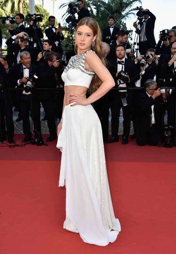 adele-exarchopoulos-in-louis-vuitton-at-the-last-face-69th-cannes-film-festival-photocall-premiere