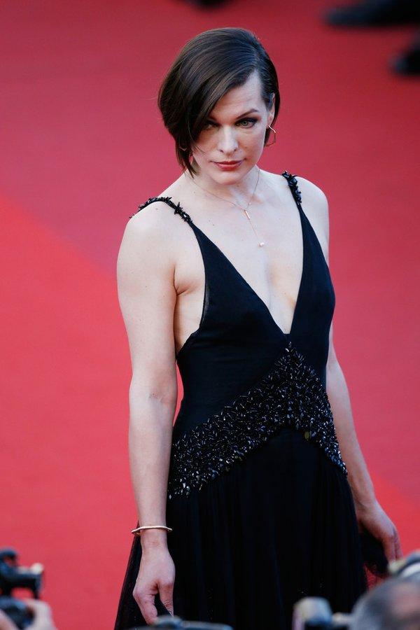 milla-jovovich-in-prada-at-the-last-face-69th-cannes-film-festival-premiere