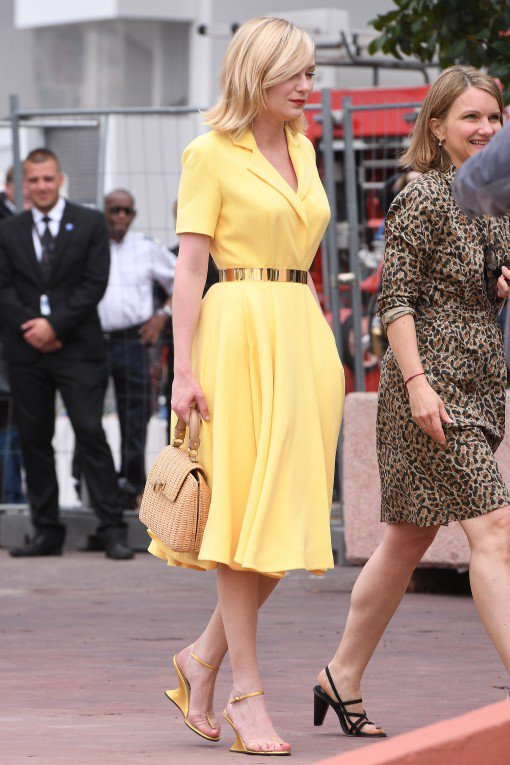 kristen-dunst-in-christian-dior-cafe-society-photocall