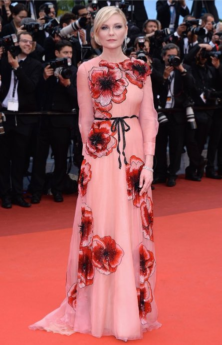 kristen-dunst-in-gucci-cafe-society-premiere-and-69th-cannes-film-festival-opening