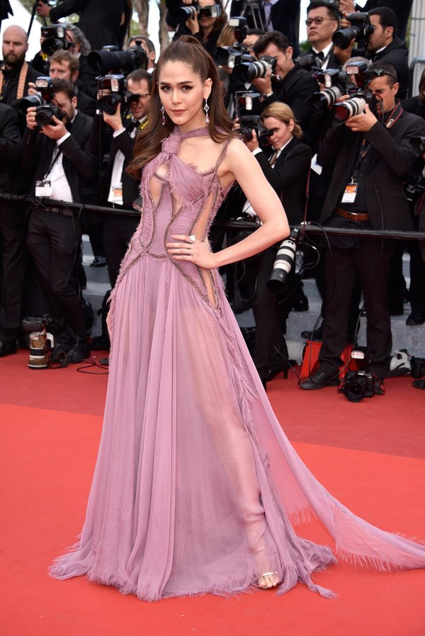 araya-a-hargate-in-atelier-versace-at-money-monster-69th-cannes-film-festival-premiere