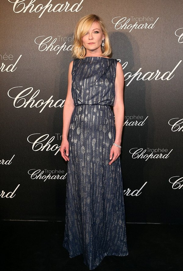 kristen-dunst-in-schiaparelli-chopard-trophy-ceremony-at-2016-cannes-film-festival