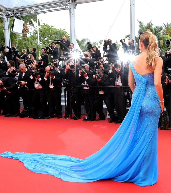 blake-lively-in-atelier-versace-bfg-premiere-at-69th-cannes-film-festival