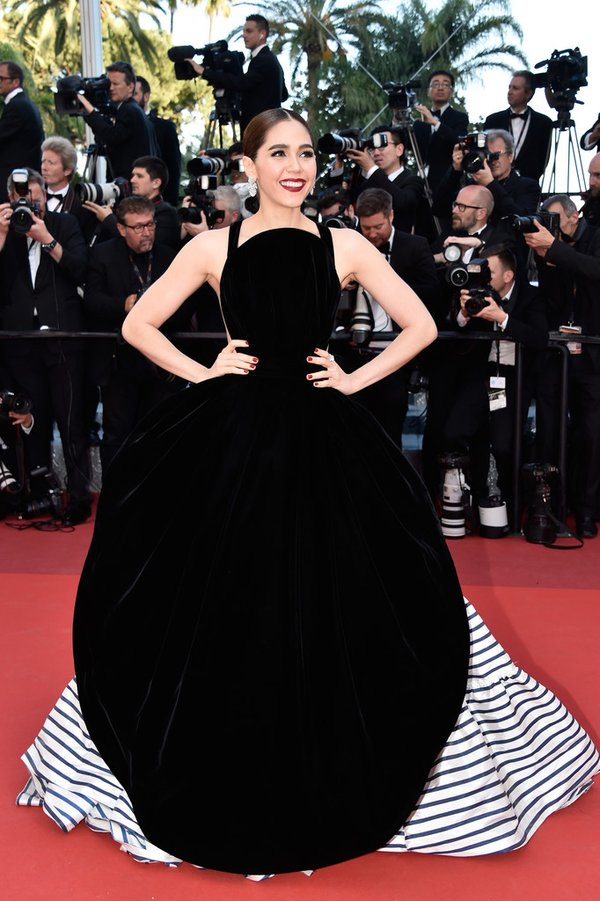 araya-a-hargate-in-jean-paul-gaultier-at-from-the-land-of-the-moon-mal-de-pierres-69th-cannes-film-festival-premiere