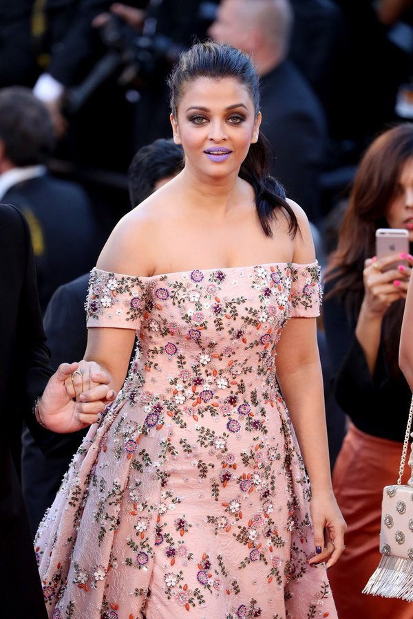 aishwarya-rai-in-rami-kadi-couture-at-from-the-land-of-the-moon-mal-de-pierres-69th-cannes-film-festival-premiere