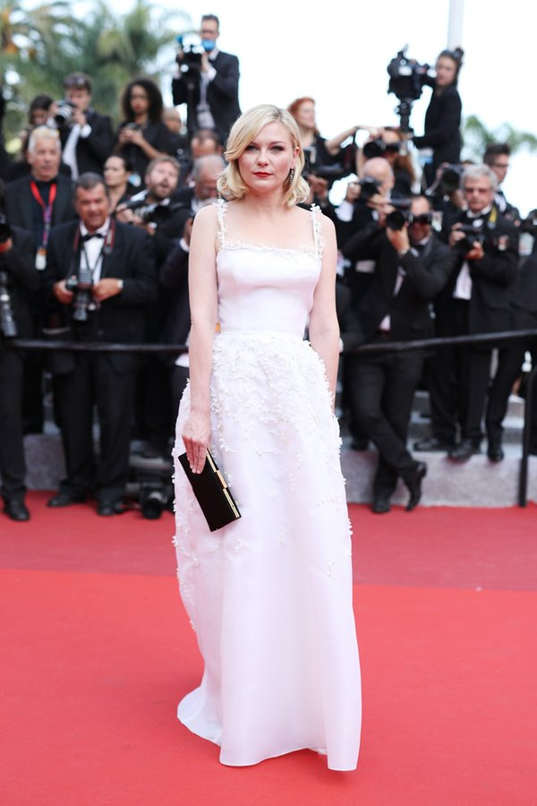 kirsten-dunst-in-christian-dior-couture-at-loving-69th-cannes-film-festival-screening