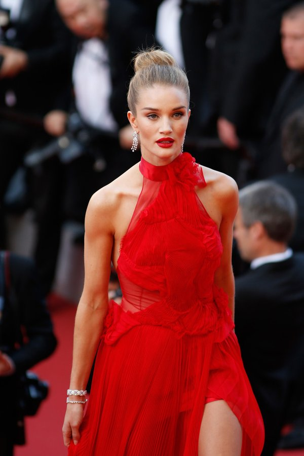 rosie-huntington-whiteley-in-alexandre-vauthier-at-unknown-girl-la-fille-inconnue-69th-cannes-film-festival-premiere