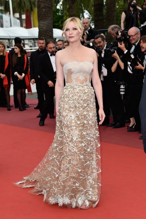kirsten-dunst-in-valentino-at-the-69th-cannes-film-festival-closing-ceremony