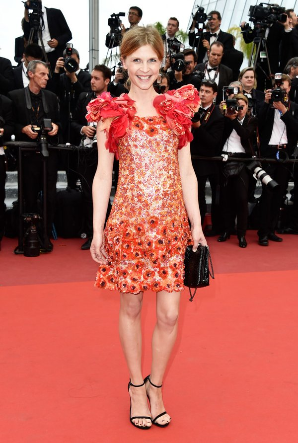 clemence-pose-in-chanel-couture-at-the-69th-cannes-film-festival-closing-ceremony