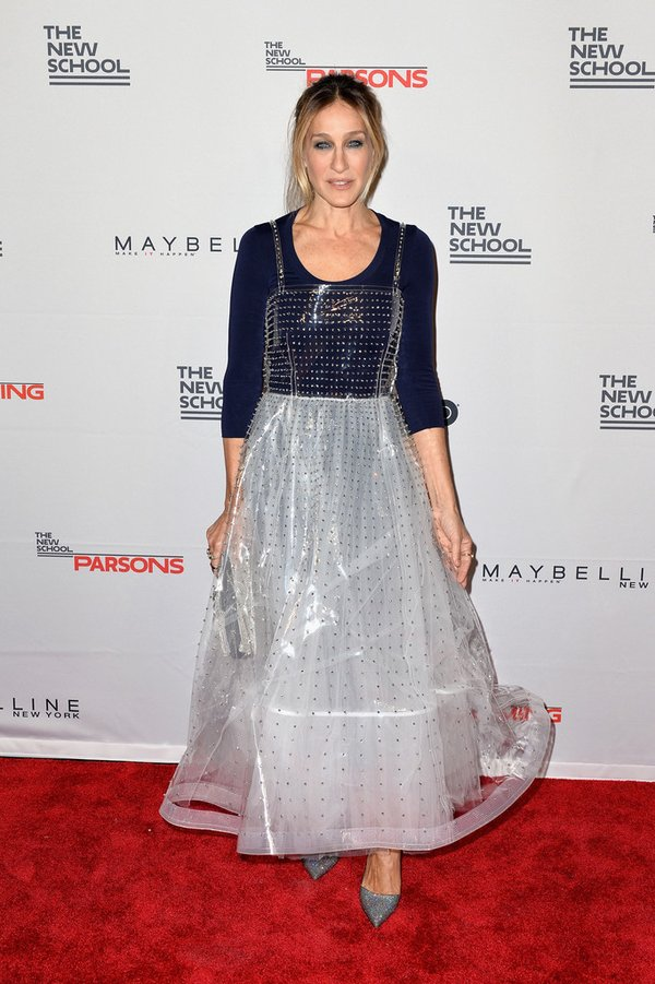sarah-jessica-parker-in-valentino-at-the-68th-annual-parsons-benefit