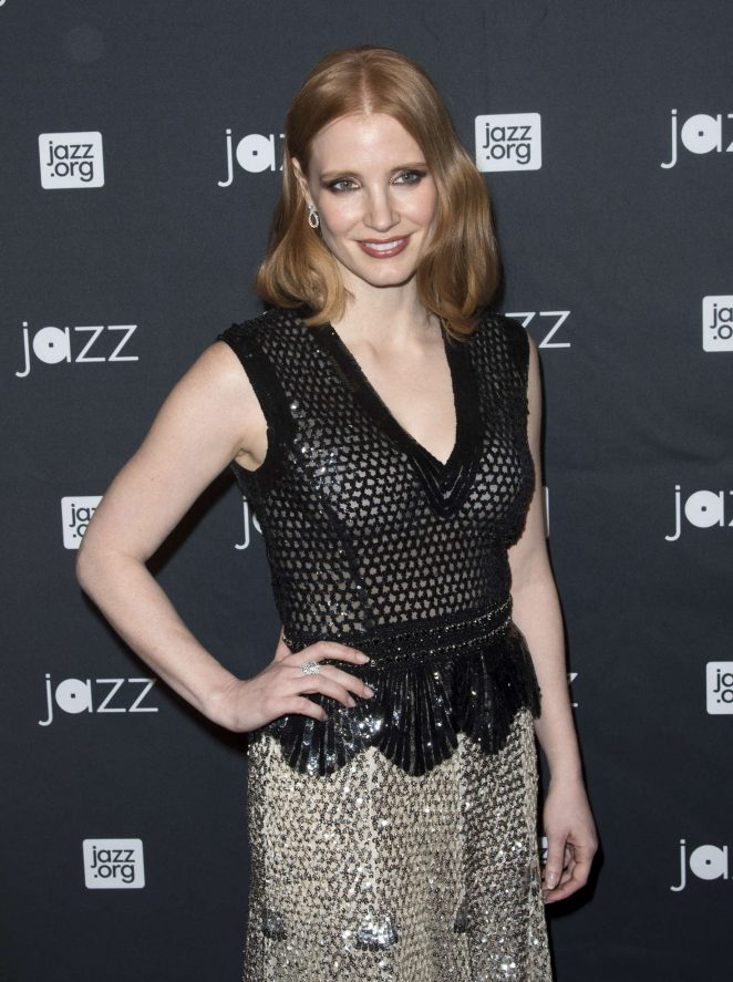 Jessica-Chastain--Jazz-at-Lincoln-Center-2016-Gala-Jazz-and-Broadway--07-662x887