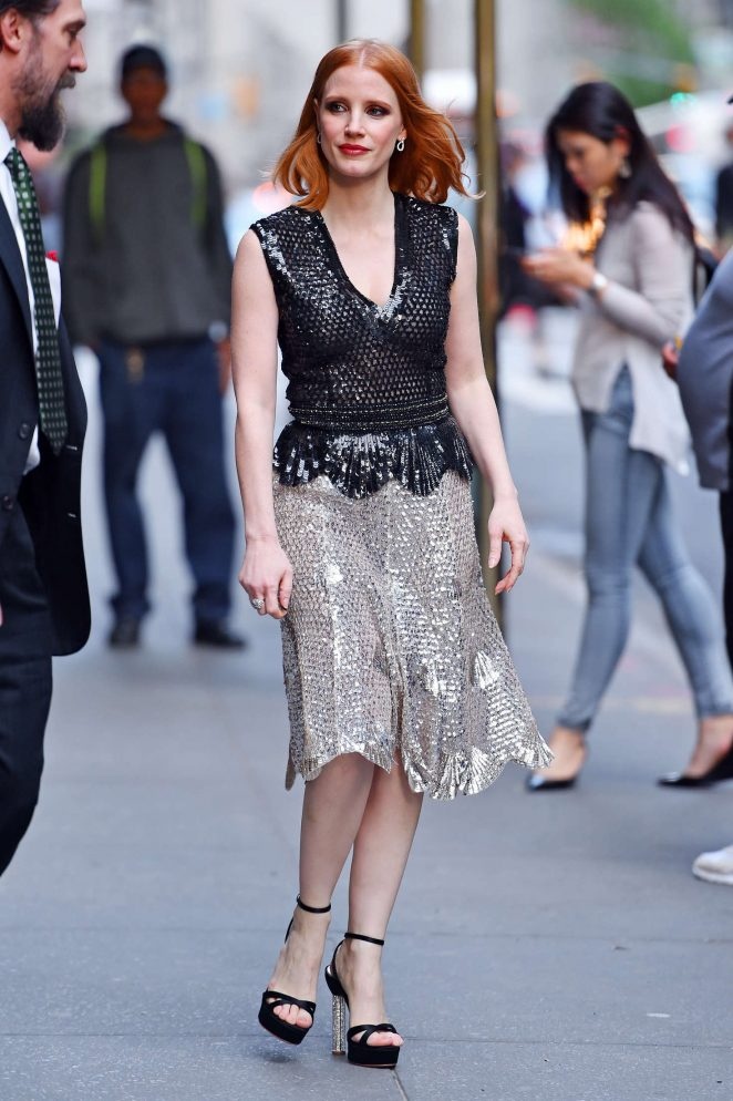 Jessica-Chastain--Jazz-at-Lincoln-Center-2016-Gala-Jazz-and-Broadway--08-662x994