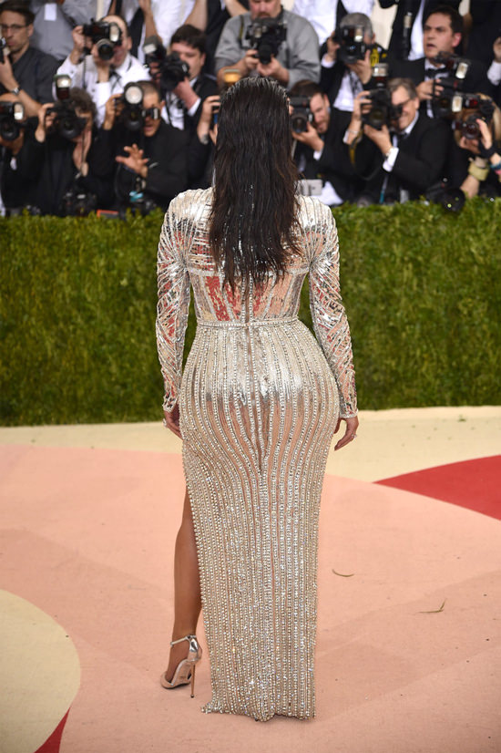Kim-Kardashian-Kanye-West-Met-Gala-2016-Red-Carpet-Fashion-Balmain-