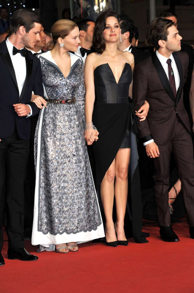 Marion-Cotillard--Its-Only-The-End-Of-The-World-Premiere-at-2016-Cannes-Film-Festival--08-662x995