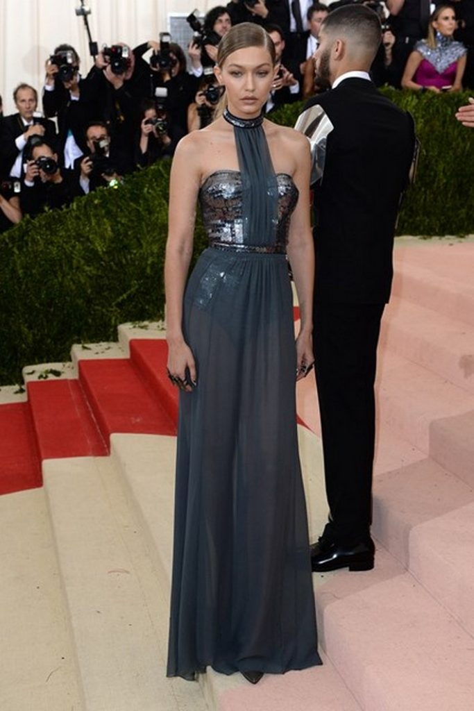 Met-Gala-2016-Fashion-in-an-Age-of-Technology-Gigi-Hadid