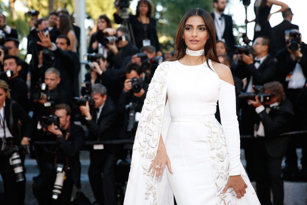 Sonam-Kapoor-Cannes-Film-Festival-Ralph-and-Russo-Embroidered-Gown-4-1