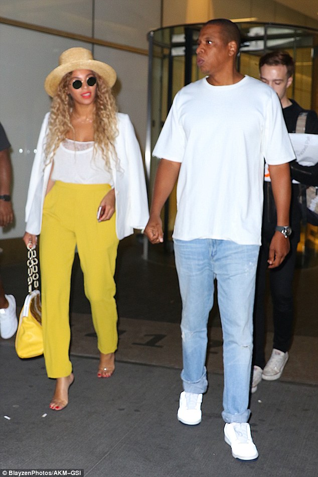 beyonce -and-jayz-spotted-out-in-new-york