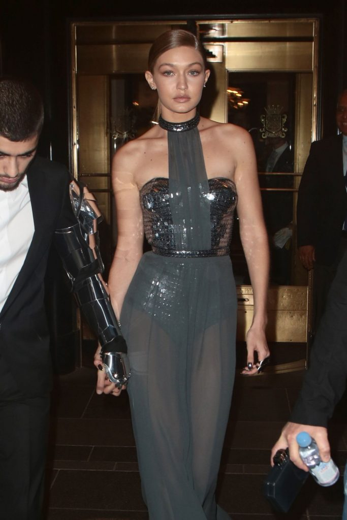 gigi-hadid-leaves-her-hotel-to-head-to-the-2016-met-gala-in-new-york-5-2-2016-1