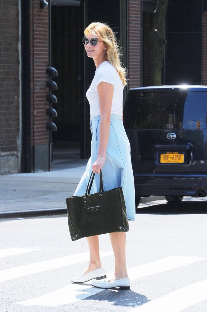 karlie-kloss-inspiring-style-out-in-nyc-5-23-2016-4