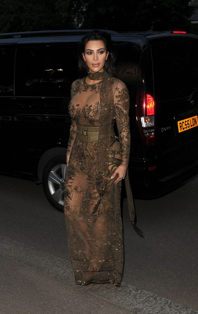 kim-kardashian-vogue-100th-anniversary-gala-dinner-in-london-5-23-2016-6