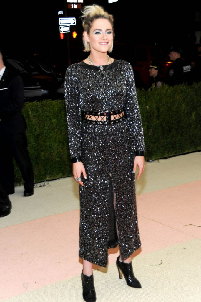 Kristen Stewart In Chanel At The 2016 Met Gala Fashionsizzle