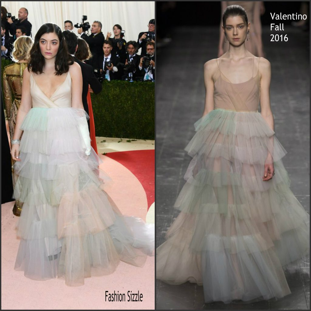 lorde in valentino 2016 met gala fashionsizzle. Black Bedroom Furniture Sets. Home Design Ideas