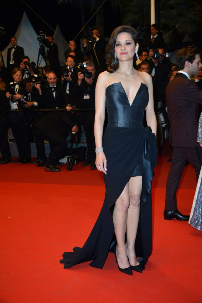 marion-cotillard-at-it-s-only-the-end-of-the-world-premiere-at-69th-annual-cannes-film-festival-05-19-2016_1